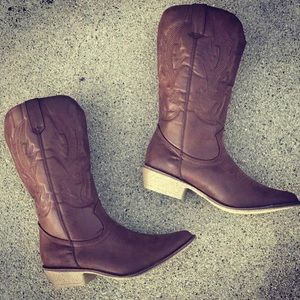 Classic Cowboy Brown Embroidered Western Heel Boot